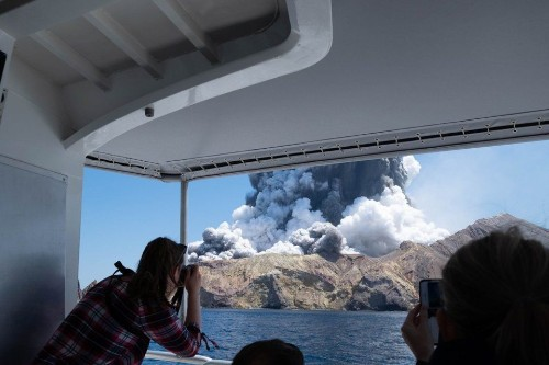 Terrifying Videos Capture The Moment New Zealand's Whakaari Volcano Erupted - Science