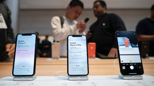 Apple tells Congress: iPhones are too risky for normal humans to repair