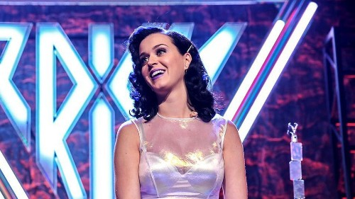 Katy Perry Surges Past Justin Bieber to Become Twitter's Most Popular
