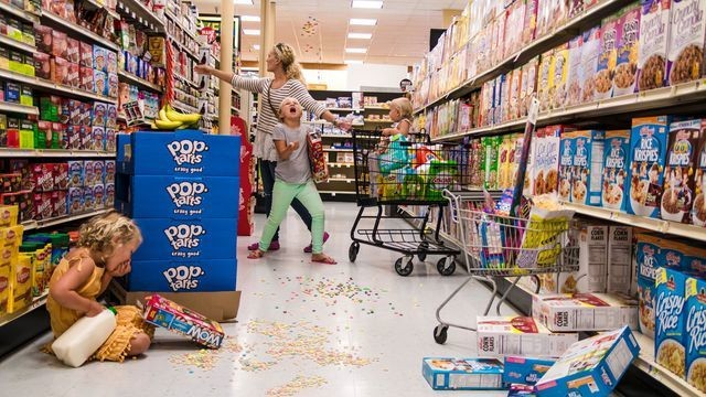Photographer captures the beautiful chaos of parenting
