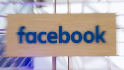 Facebook says its new AI can understand text with 'near-human accuracy'