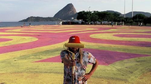 GIF-iti artist takes mindblowing street art to next level