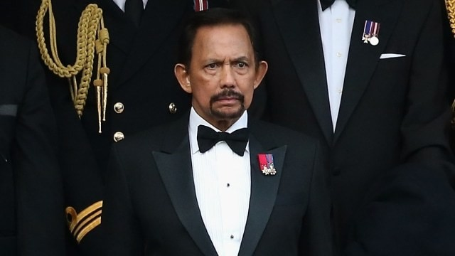 Brunei's sultan returns his honorary Oxford degree following public backlash - Culture - Mashable SEA