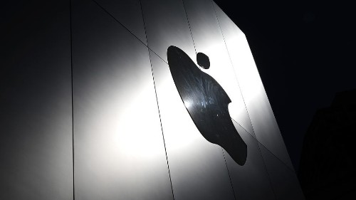 Apple accuses Google of 'stoking fear' over iPhone vulnerabilities