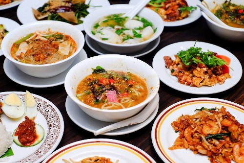 Singaporeans are huge fans of Malaysian cuisine but it's not the other way around, study finds - Culture