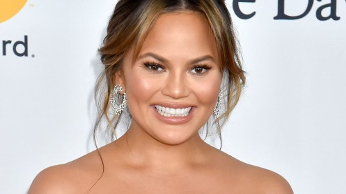 Chrissy Teigen had the best response to this tweet about women who don't take their husband's last name