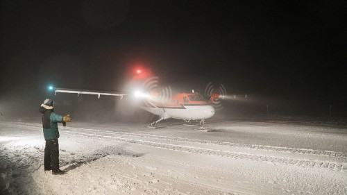 Risky South Pole rescue saves 2 sick workers from isolated research station