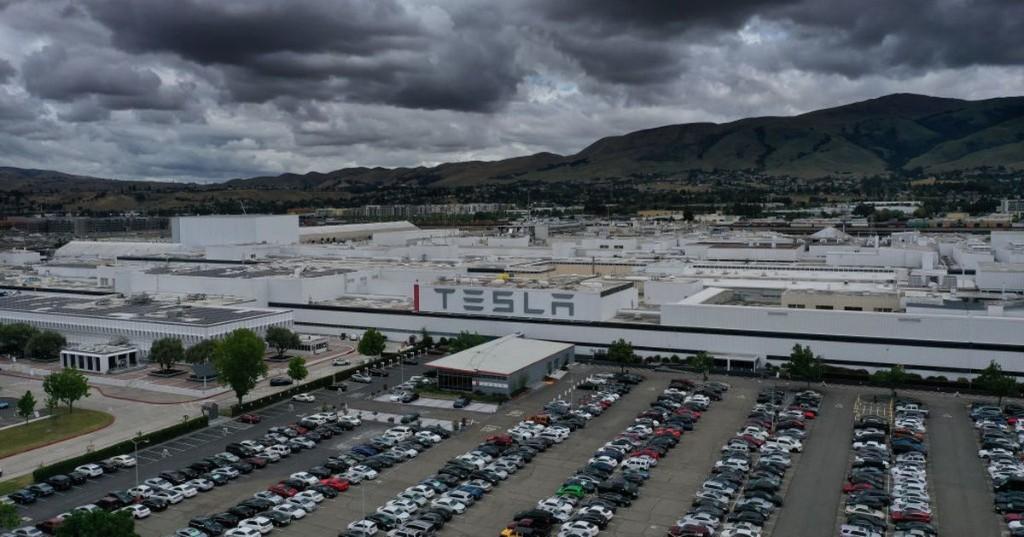 Coronavirus 'exposure' soars at Tesla's Fremont plant, leak shows