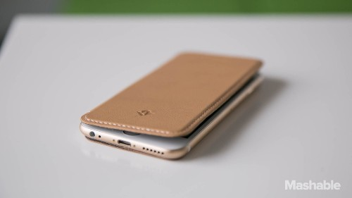 Like your iPhone 6 naked? The SurfacePad is a case for you