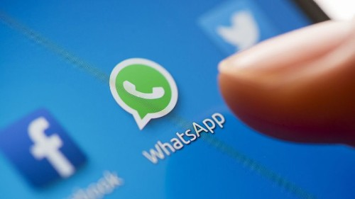 Facebook could let businesses contact you on WhatsApp