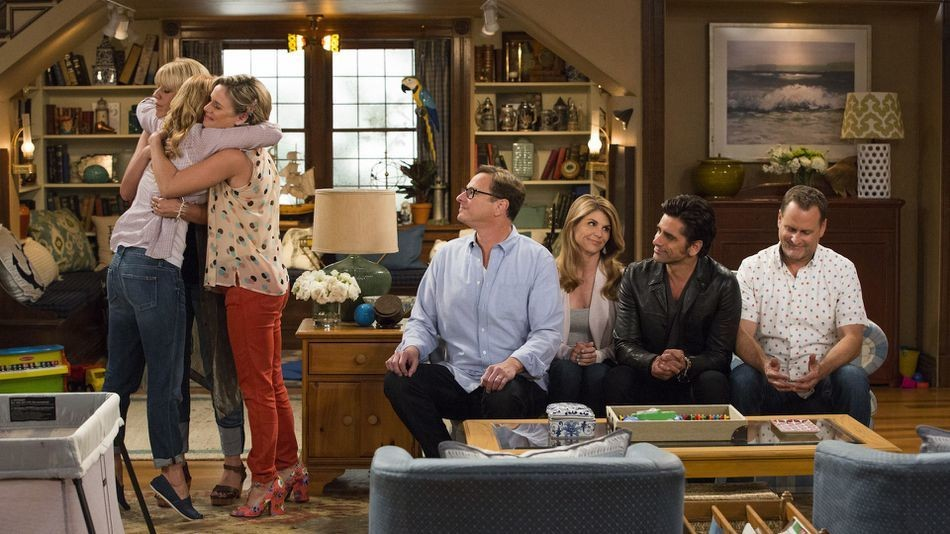 The Tanners are together again in first 'Fuller House' photos