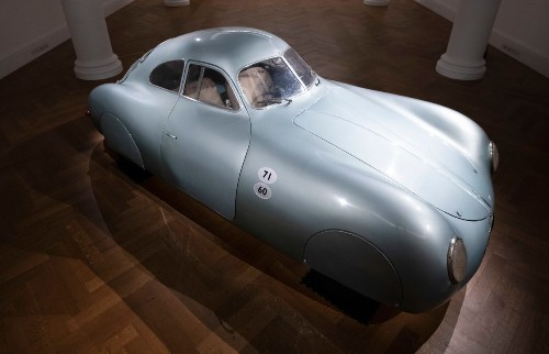 Chaos erupts as a rare Porsche seems to auction for a record-shattering $70 million - Culture - Mashable SEA