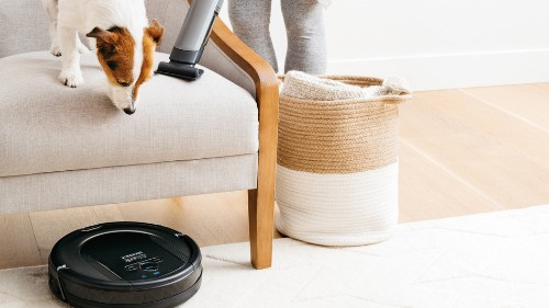 Shark Ion robot vacuum cleaning bundle is $200 off at Walmart
