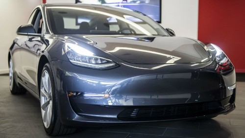 Tesla casually updates Model 3 to be devilishly quick