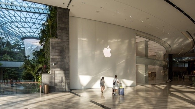 Apple Store Opens In Jewel Changi Airport