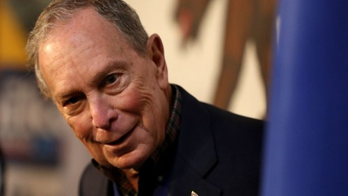 Mike Bloomberg met a dog and decided to shake its mouth