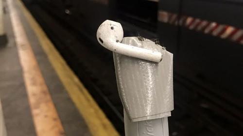 Woman stages DIY rescue for AirPod dropped on subway tracks