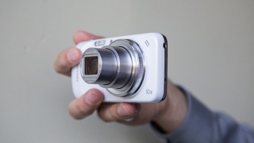 Hands On With the Samsung Galaxy S4 Zoom