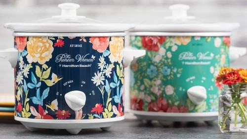 Floral Pioneer Woman slow cookers are $25 off (again) just in time for your Memorial Day cookout