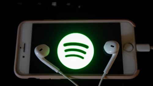 Spotify finally works with Siri and Apple TV
