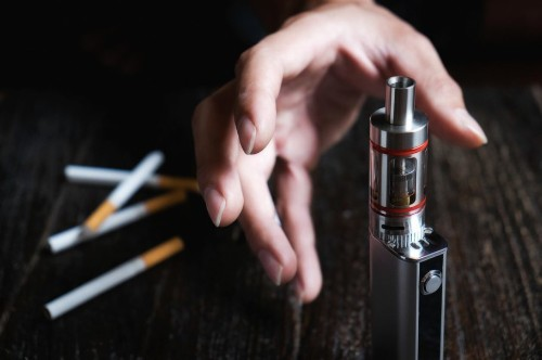 Post India's E-Cigarette Ban, Netizens And Juulers Have One Major Question For the Union Cabinet!