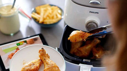 This Philips TurboStar air fryer is $80 off — its lowest price ever at Amazon