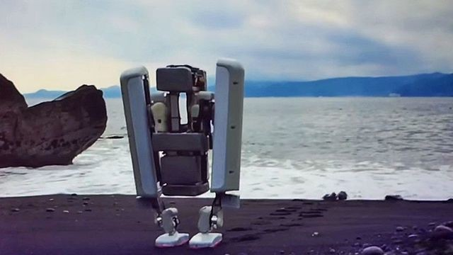 Google's bipedal robot reveals the future of manual labor