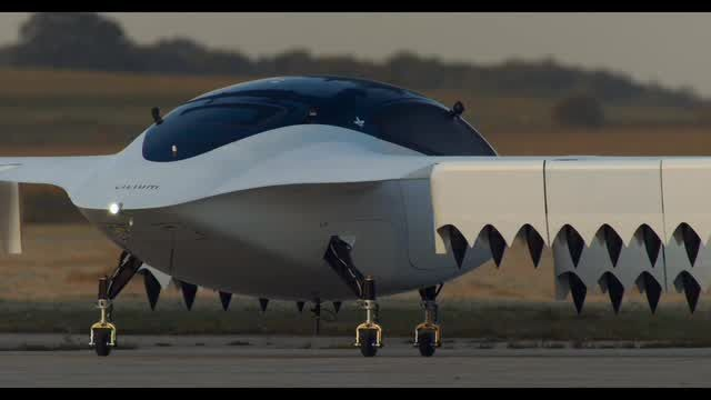 Watch Lilium's electric plane prototype take off and soar