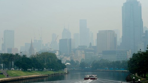 Australian Open tennis players affected by bushfires as air quality hits hazardous levels