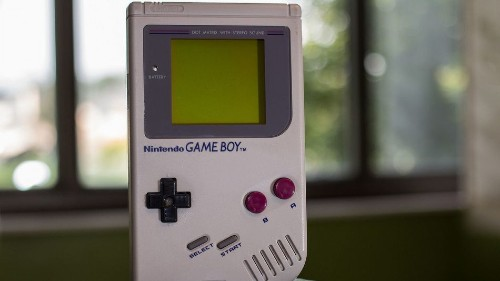 Nintendo is considering letting you play Game Boy games on smartphones
