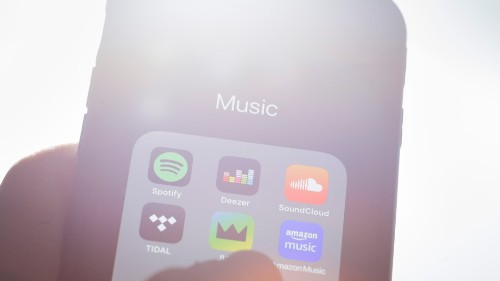 Three major music labels make $19 million a day from streaming while artists count their pocket change
