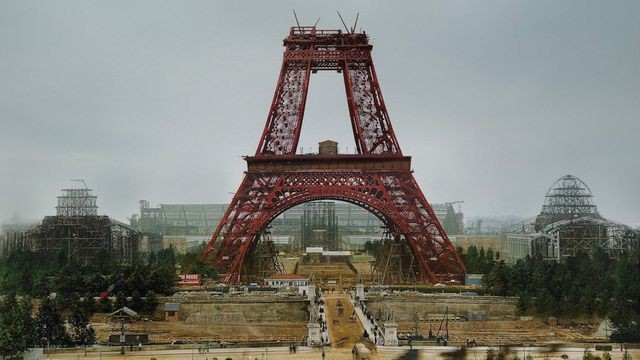 The construction of 10 iconic landmarks, in color