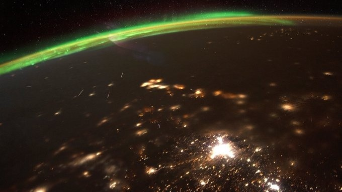 Quadrantids From Space: NASA Astronaut Captures Meteor Shower From International Space Station! - Science