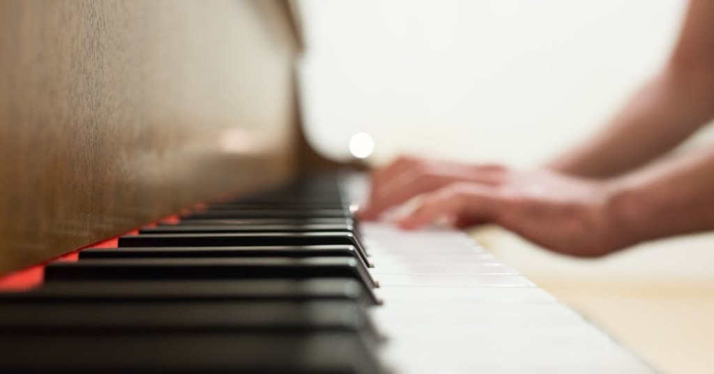 Learn to play piano from a safe social distance with this cheap online class