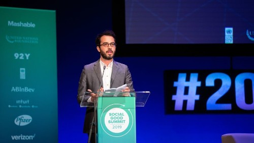 Jonathan Safran Foer challenges everyone to eat vegan for two meals a day