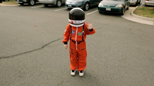 9-year-old alien expert submits application for NASA job