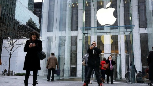 Apple Continues Hiring Spree to Develop iWatch
