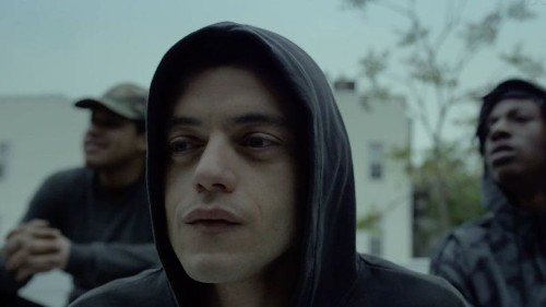 Mr. Robot Season 2 premieres on Twitter and Facebook