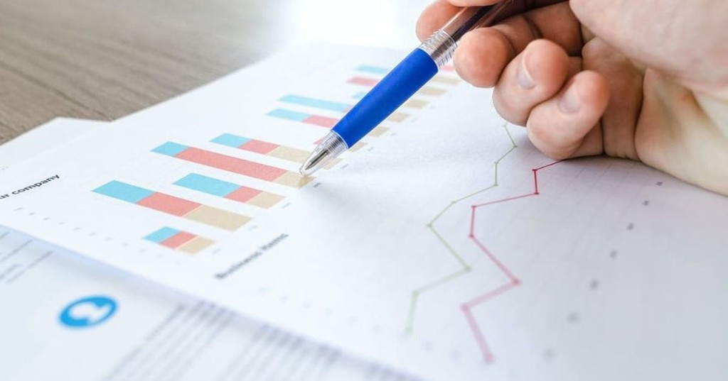 Get 24 training courses on Excel and data analytics for under £20