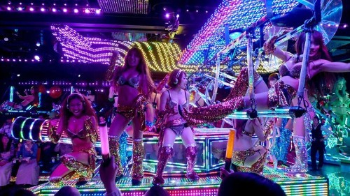The Japanese Robot Restaurant is coming to destroy Australia