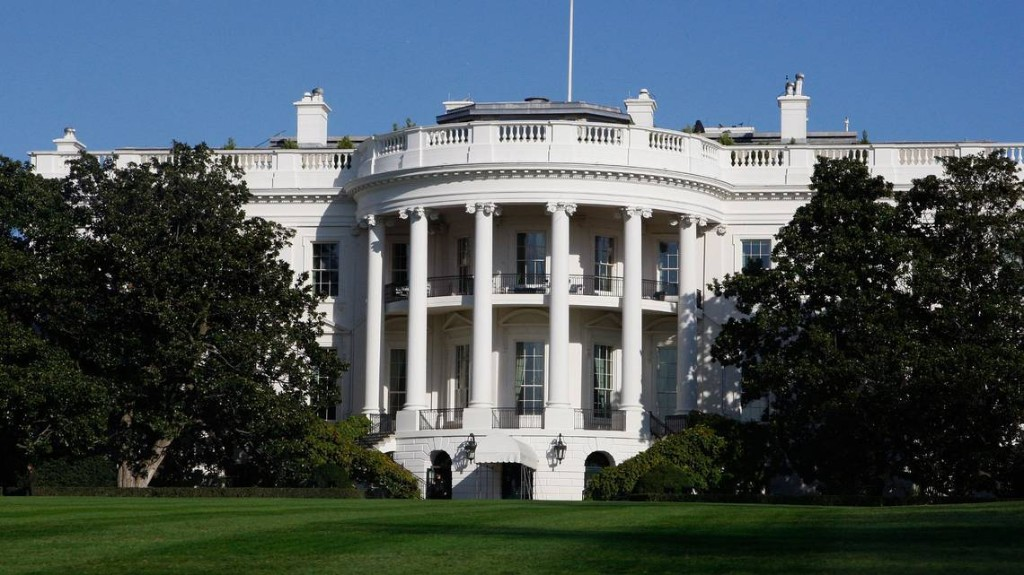 White House calls 'Anonymous' writer 'coward,' 'disgruntled' staffer as he goes public