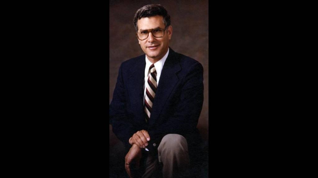 UF dean Ralph Lowenstein, who predicted digital media nearly 50 years ago, dies at 90