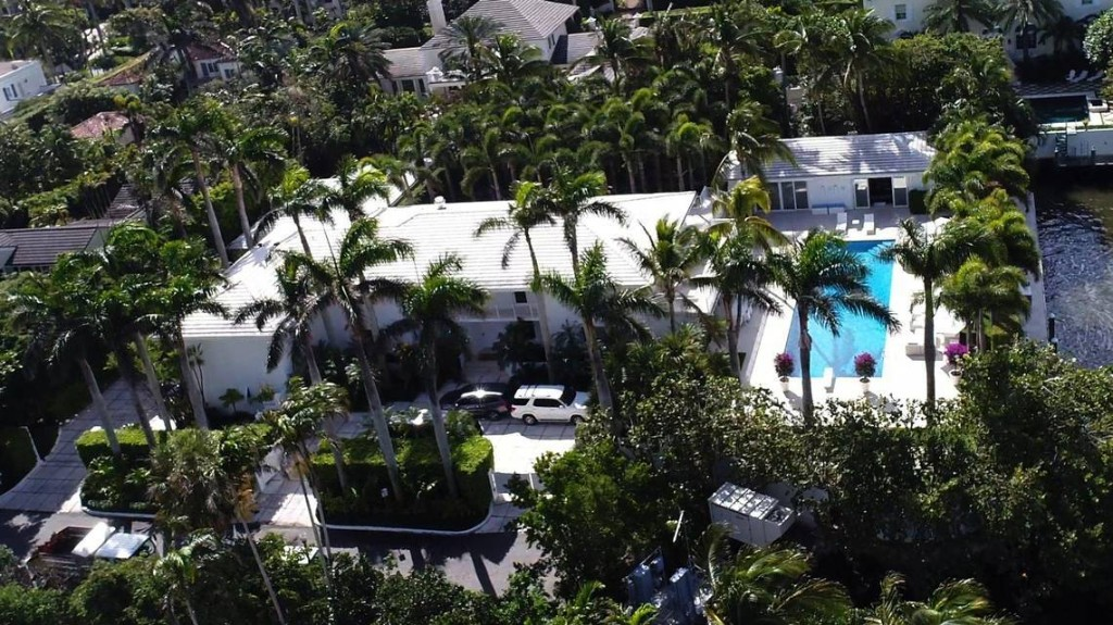 Another Jeffrey Epstein secret: In world of Palm Beach mansions, his was unremarkable