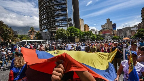 Venezuela opposition clashes with Maduro security forces amid national strike