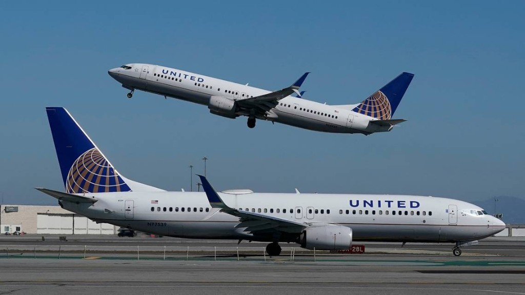United to test all passengers on some flights for COVID-19 in new transatlantic trial