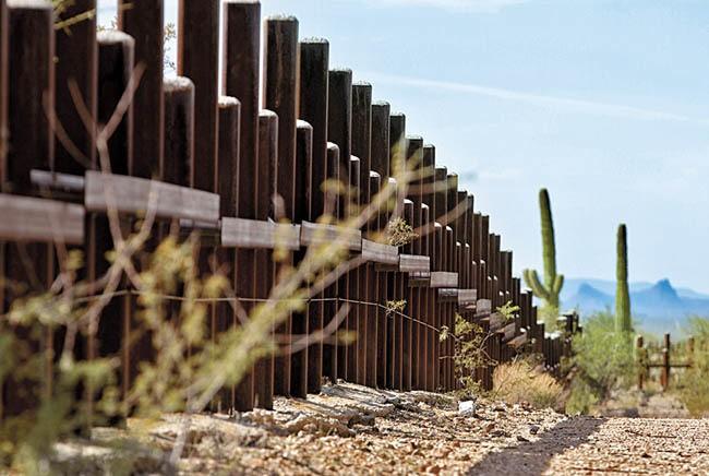 """Muro, """"intolerante y extremista"""", dice la SRE en la ONU"""