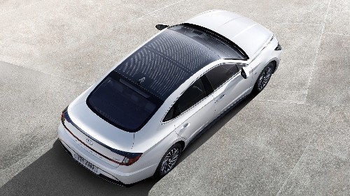 2020 Hyundai Sonata Hybrid Sports a Solar Panel Roof