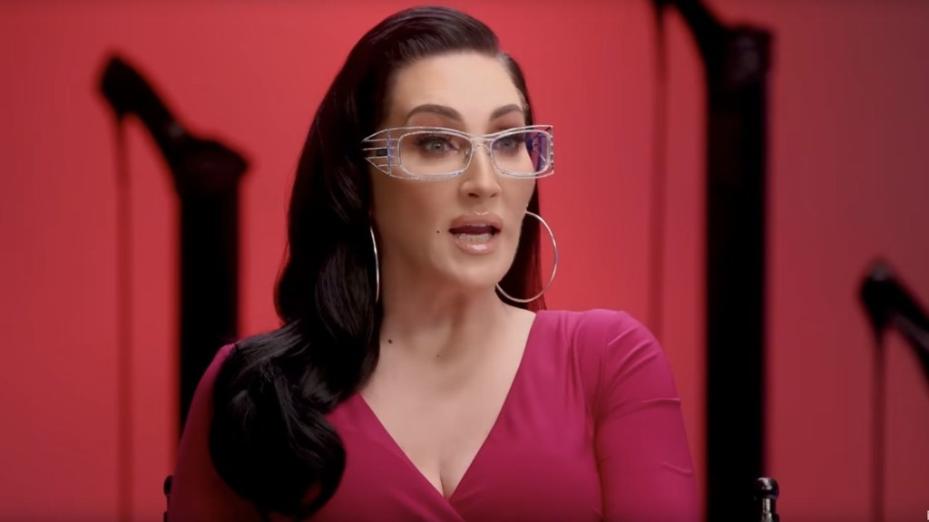 "Michelle Visage Talks to This Week's Eliminated ""Drag Race"" Queen"