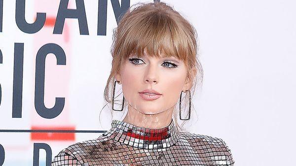 """Taylor Swift: c'è ci pensa sia riuscita a fregare Scooter Braun con questa cover di """"Look What You Made Me Do"""""""