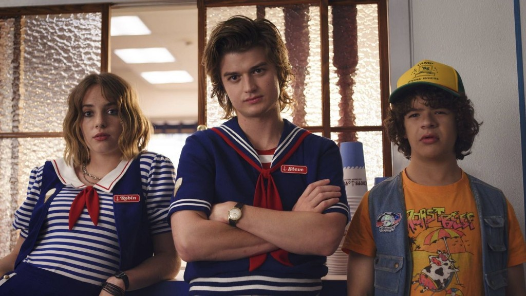 Stranger Things Season 3's Robin And Steve Were Supposed To Start Dating